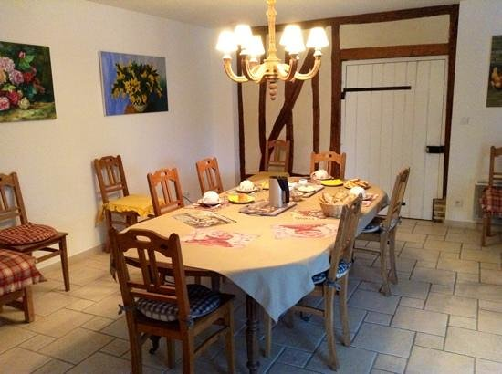 Dining room photo de chambres d 39 h tes munier for Chambre hote ruoms