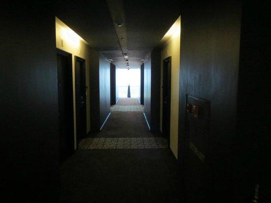 Akmani Hotel: Passage
