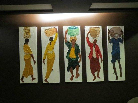 Akmani Hotel: Painting near the lift