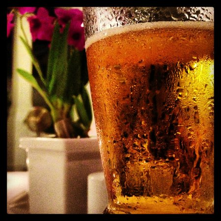 Deva Bistro Restaurant: A nice cool Singha at the Devasom Bistro