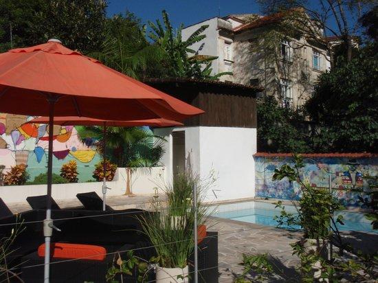 Casa Cool Beans B&B : coin piscine