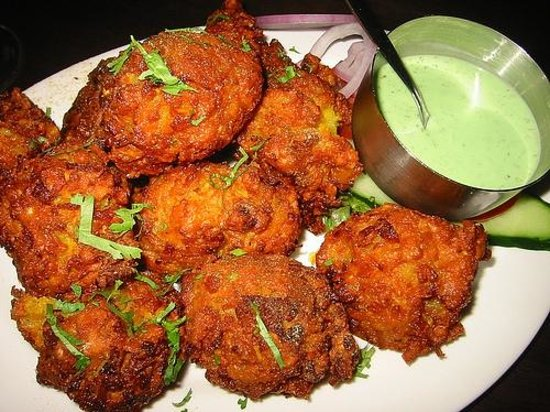Haques Indian: Our Onion Bhajis....mmmmmmmmm