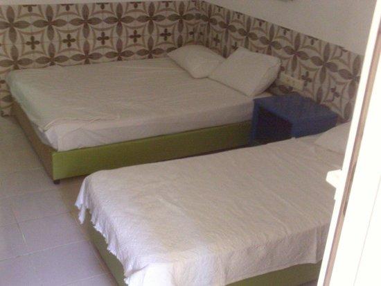 Oylum Garden Hotel: Beds. Room 104.