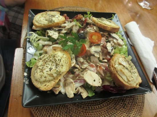 David's: Goats Cheese Salad STARTER??!!!