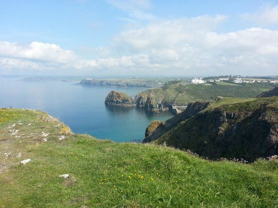 Caunce Head: Mullion Cove