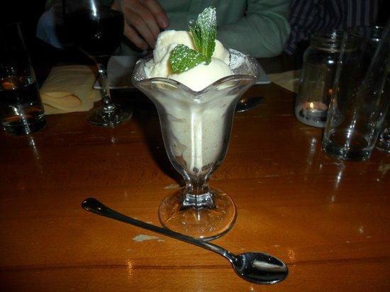Anton's Bistrot: Lush fig, honey & marscapone ice cream