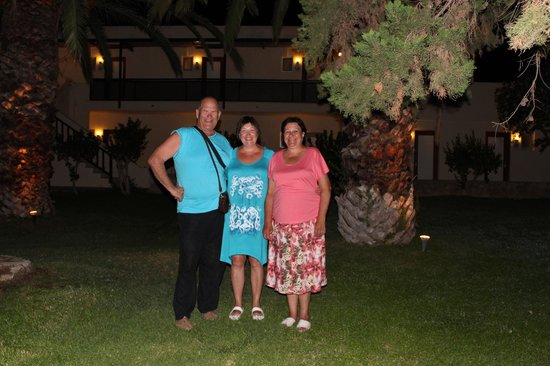 Cretan Malia Park: Наша компания)
