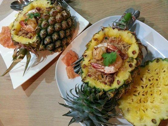 The Vareeya: Ananas avec riz et Fruits de mer