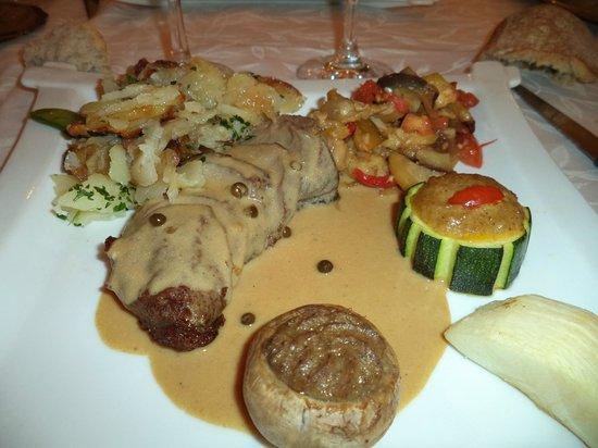 Hotel Restaurant Plaisance : magret canard poivre vert
