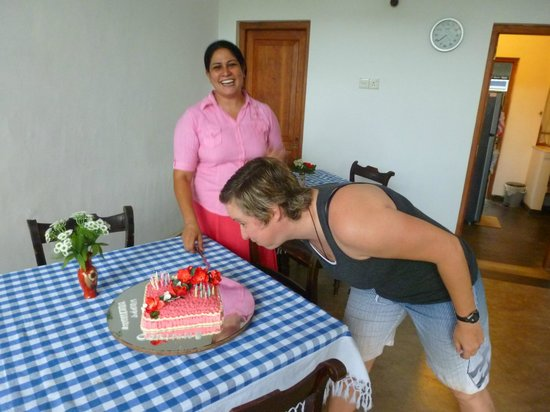 Little Paradise Tourist Guest House and Holiday Home Anuradhapura: Happy bday to me!