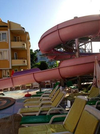 Rosy Apart Hotel: The slide at The Rosy