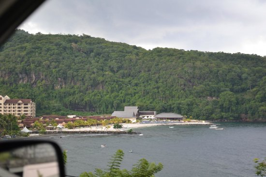 Buccament Bay Resort: view of hotel from road