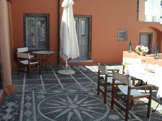 Markezinis Suites: colazione in terrazza