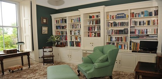 Glebe House Guesthouse : Glebe House Library