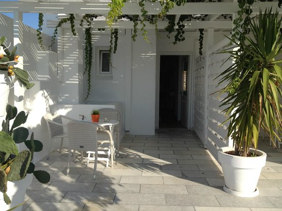 Adriani Hotel : Access to the room