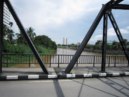 Mae Ping River: 鉄の橋から