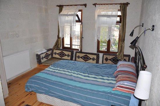 Karadut Cave Hotel: Bedroom