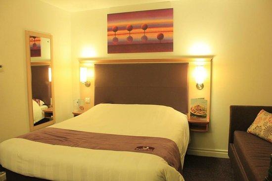 Premier Inn Glasgow City Centre (George Square) Hotel: Room