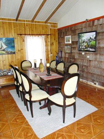 Cabanas Los Canelos: Frühstücksraum