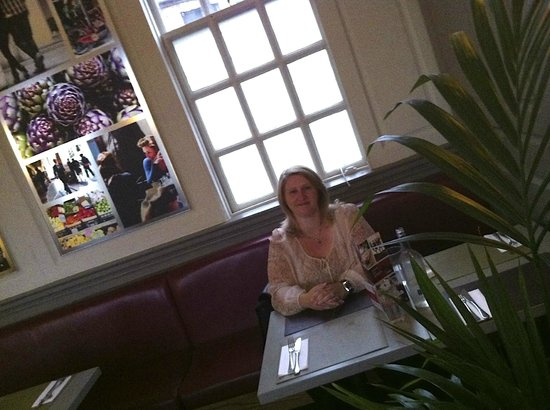 Strada - Bath: Setting in the restaurant (first floor)