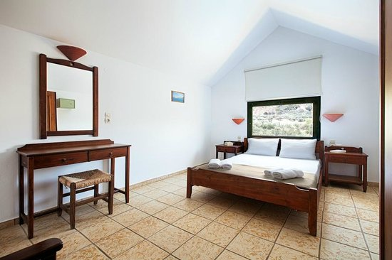 Olive Tree Apartments : Bedroom Maisonette #6