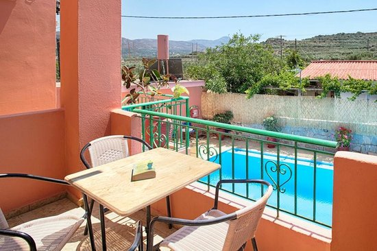 Olive Tree Apartments: Balcony pool view - Maisonette #4
