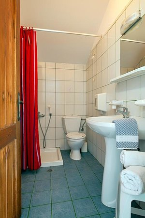 Olive Tree Apartments: Upper bathroom - Maisonette #4