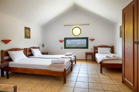 Olive Tree Apartments : Bedroom Maisonette #4