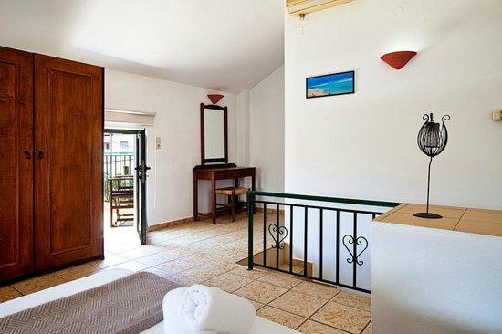 Olive Tree Apartments: Bedroom Maisonette #4