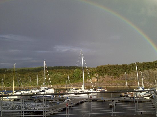 Portavadie : Rainbow over the marina