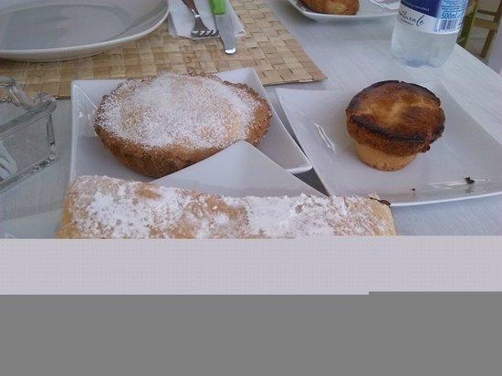 B&B Notos : Tortina crema e nutella, pasticciotto alla crema