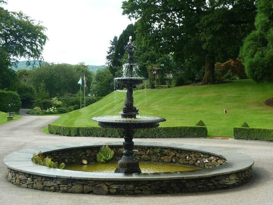 Broadoaks Country House: Lovely Fountain