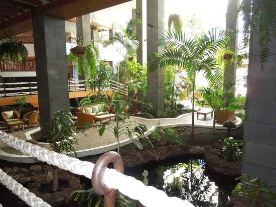 Princesa Yaiza Suite Hotel Resort : Hotel Atrium