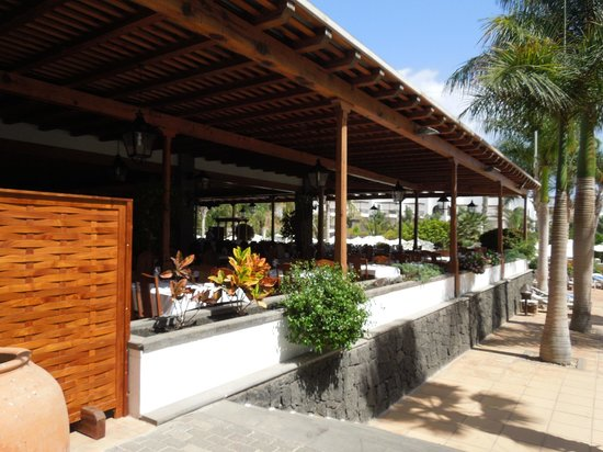 Princesa Yaiza Suite Hotel Resort: One of the more popular places to eat at the hotel