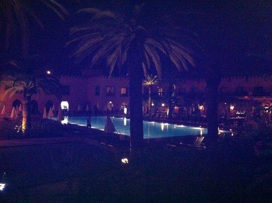 Adam Park Marrakech Hotel  & Spa: Vue de la chambre sur la piscine