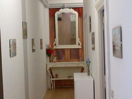 G.H Carpe Diem: hallway