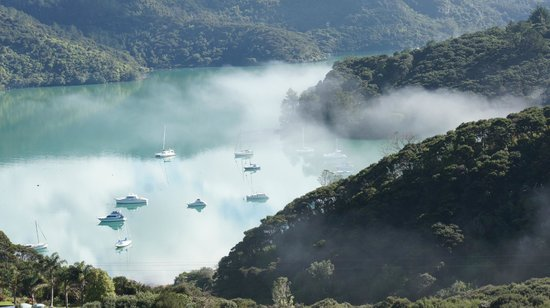 Waimanu Lodge Whangaroa Northland: Fog lifting mid morning