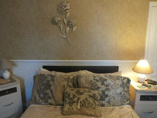 Rosewood Bed and Breakfast: Our room