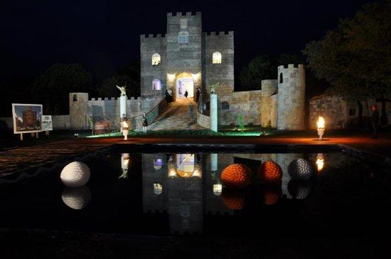 State of Parana: Castelo Florença á noite
