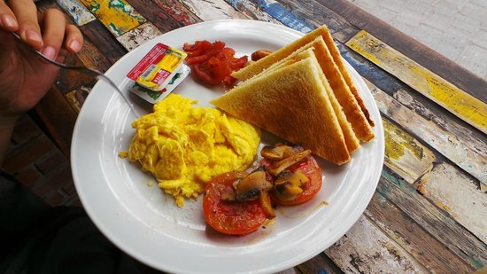 SIDOI : eggs, bacon, sausage, mushroom, bread n jams