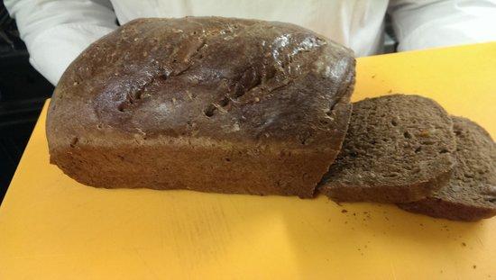 Lowenhaus: pane nero fatto in casa
