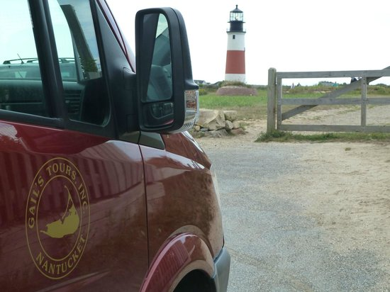 Gail's Tours of Nantucket: At Sankaty Head lighthouse, we alighted from the van and looked around for a bit.