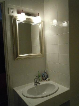 Hotel Gallia : Salle de bain (chambre Privilège)