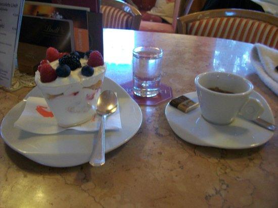 Caffè Mozart: Tiramisu ai frutti di bosco