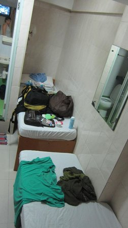 Cosmic Guest House Hong Kong: you can see the toilet from there
