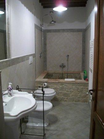 Bagno (bellissimo e nuovissimo) - Foto di Casale dei Dotti, Colle ...