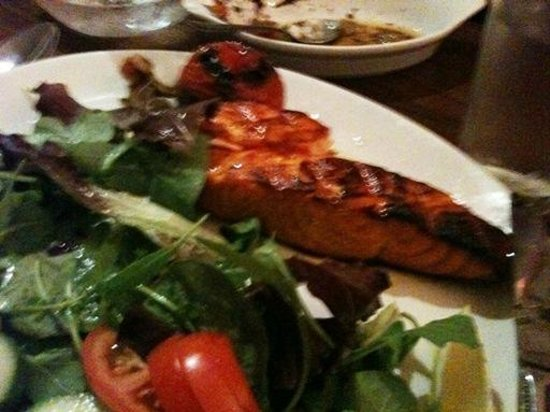 Hafez Restaurant : Salmon Kebab with rice (nice change from the norm)