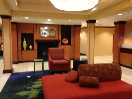 Fairfield Inn & Suites Carlsbad: lobby