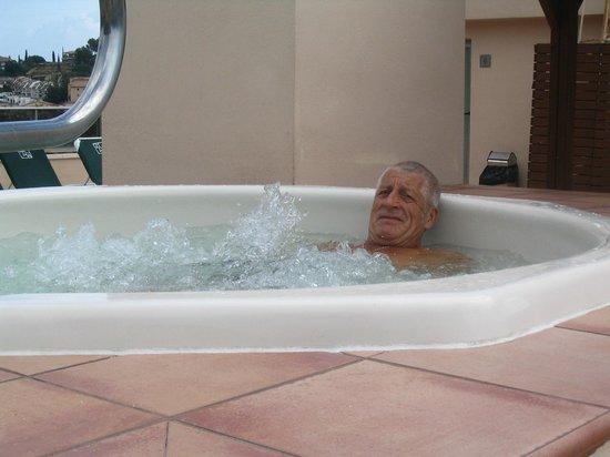 Golden Bahia de Tossa : les bienfaits du jacuzzi