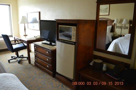 Hampton Inn Cheyenne: Our bedroom.
